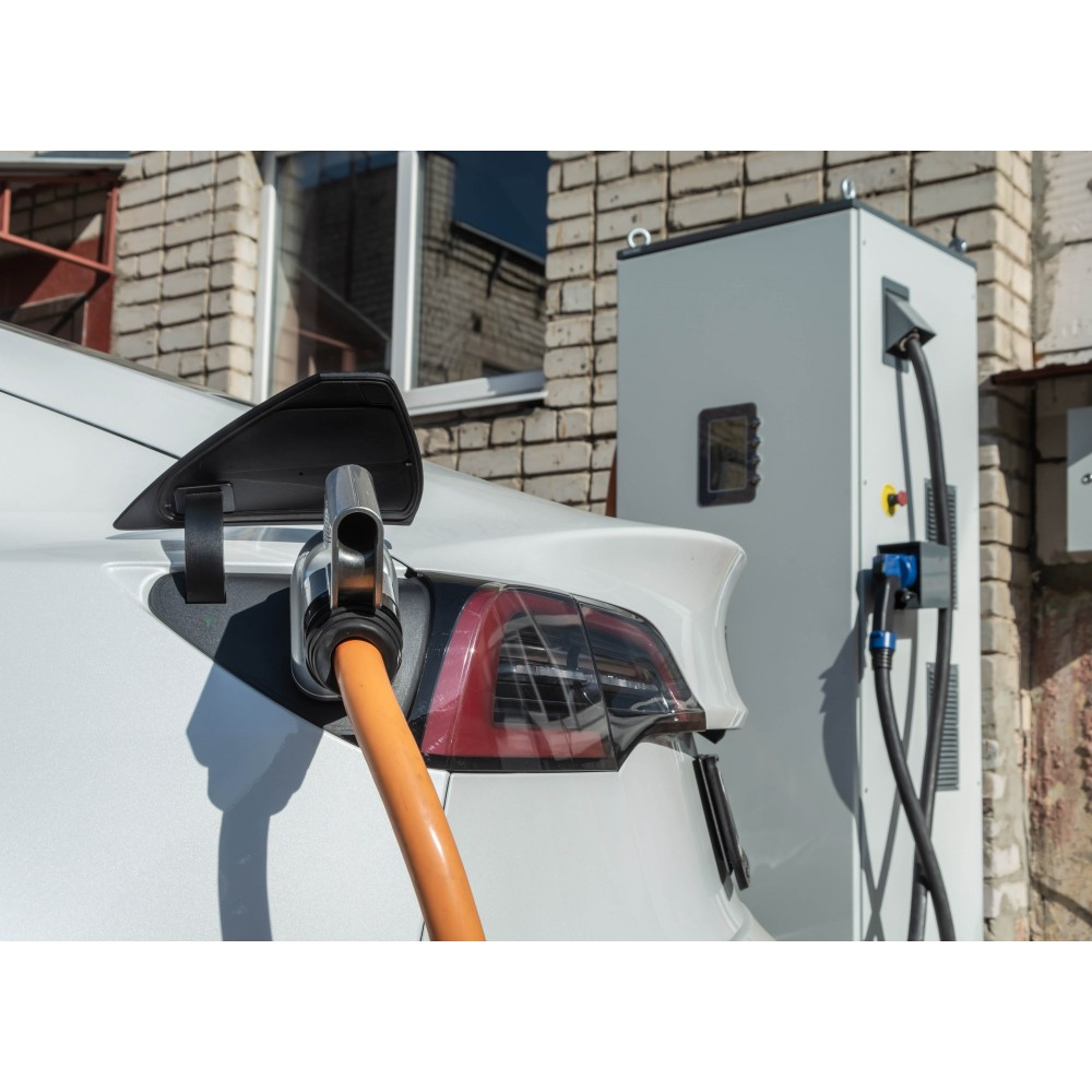 Chademo and CCS charging station (floor-standing) with OCPP support